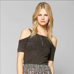 Ecotè Urban Outfitters Cold Shoulder Crop Top